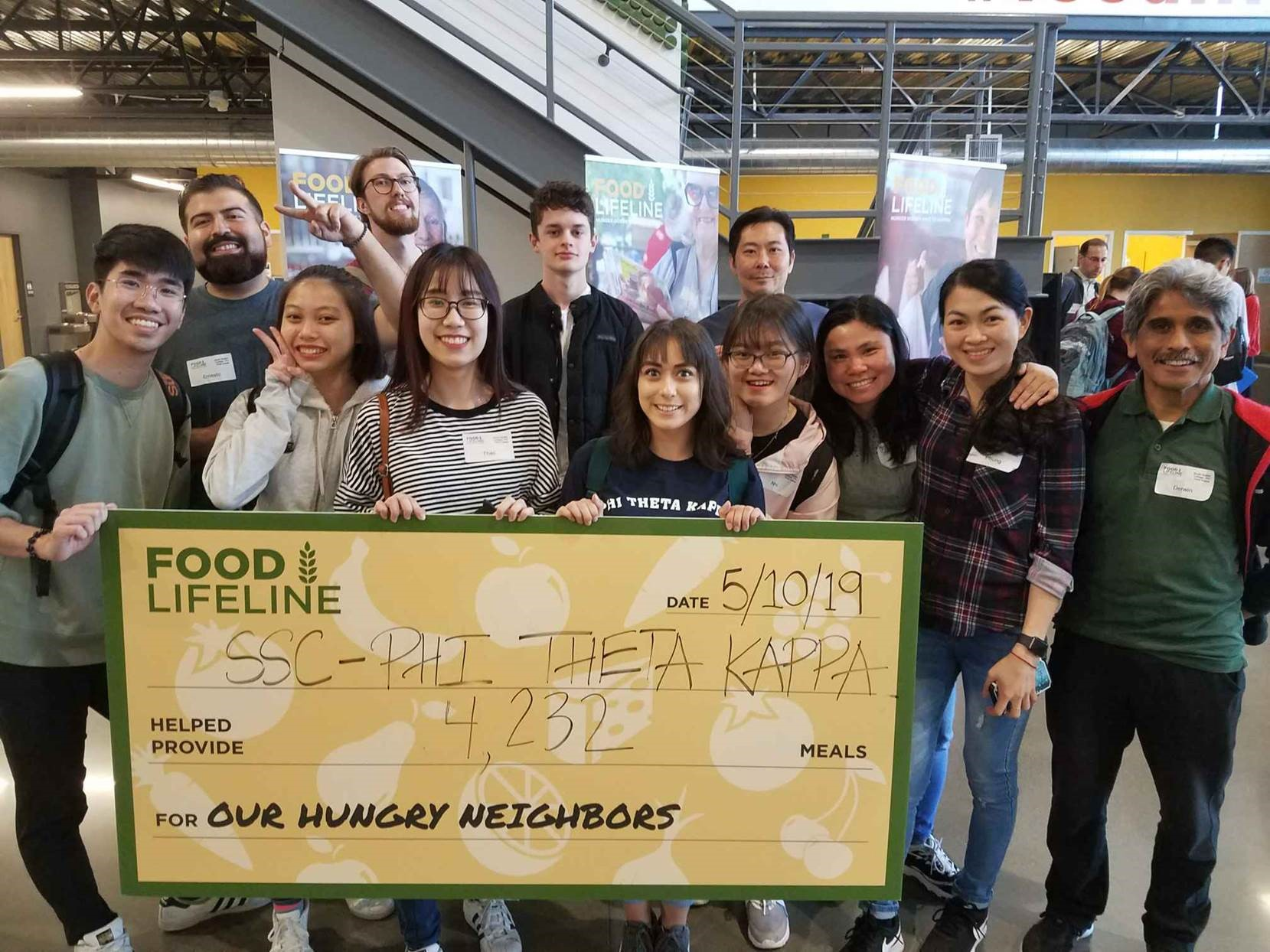 PTK Volunteers at Food Lifeline